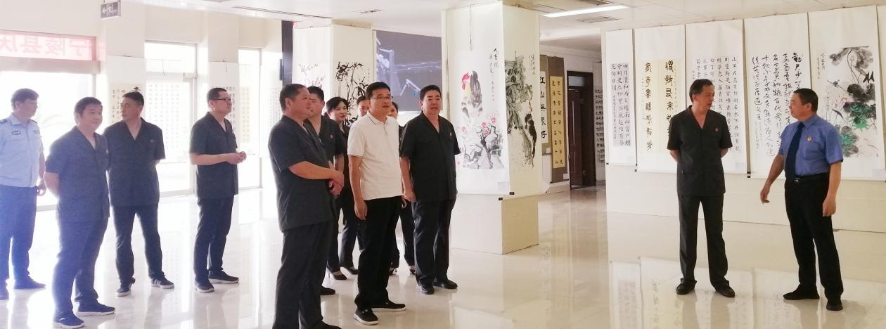 宁陵县法院组织干警观看庆祝建党100周年廉政书画展