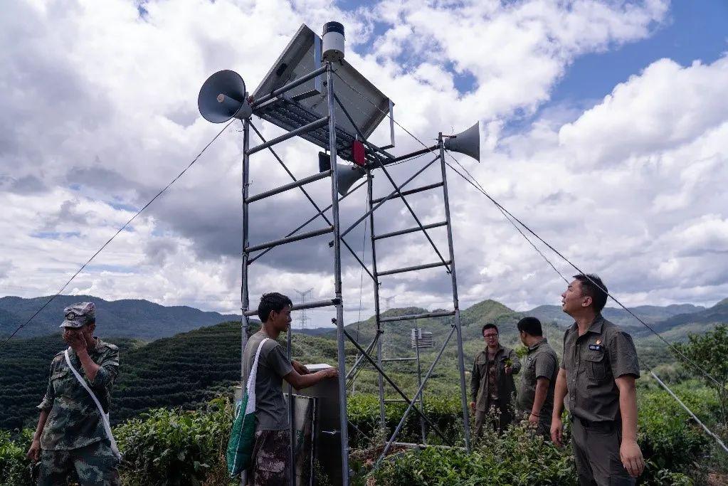 茶山上的扩音器,一旦监测到有野象出没就会向周围村民预警