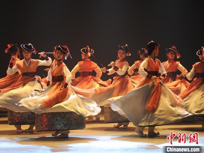 长春举办朝鲜族文艺汇演尽显民俗魅力