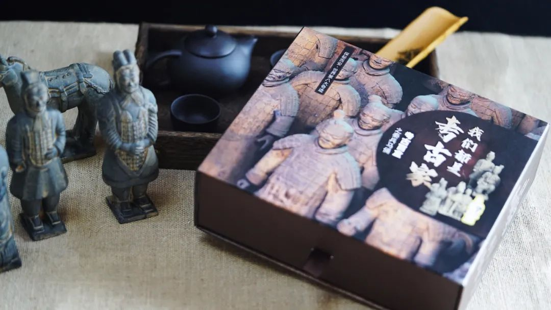"""大人小孩都眼馋的""""盲盒"""",在家挖出个兵马俑,太好玩了"""