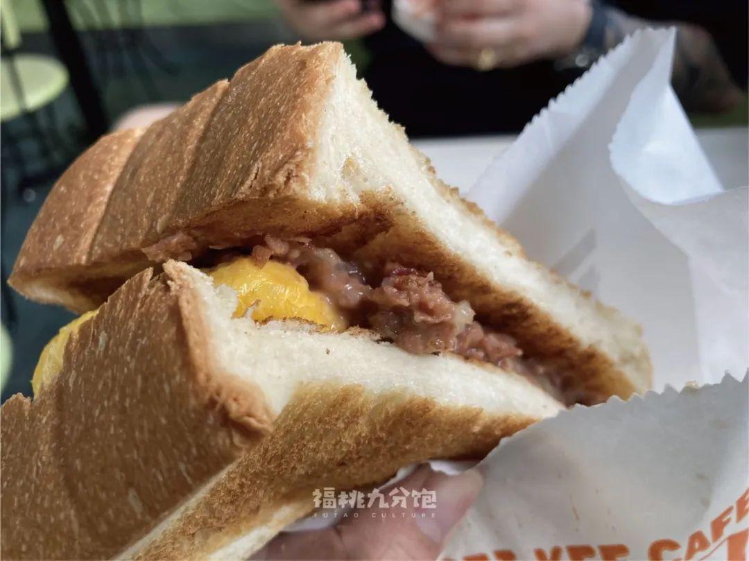 ▲咸牛肉芝士三明治