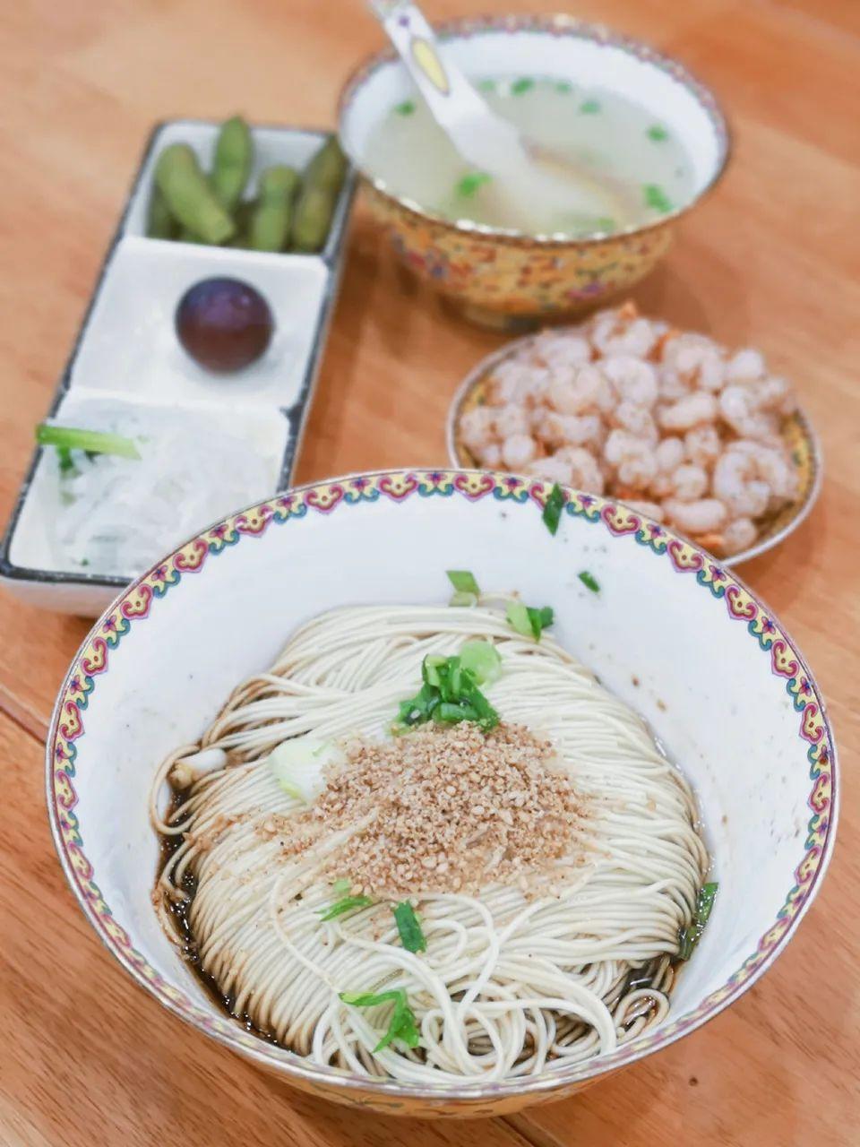 ▲ 娟秀的三虾面,与生长在江南水乡的苏州人契合。摄影/Jory君君,图/图虫·创意