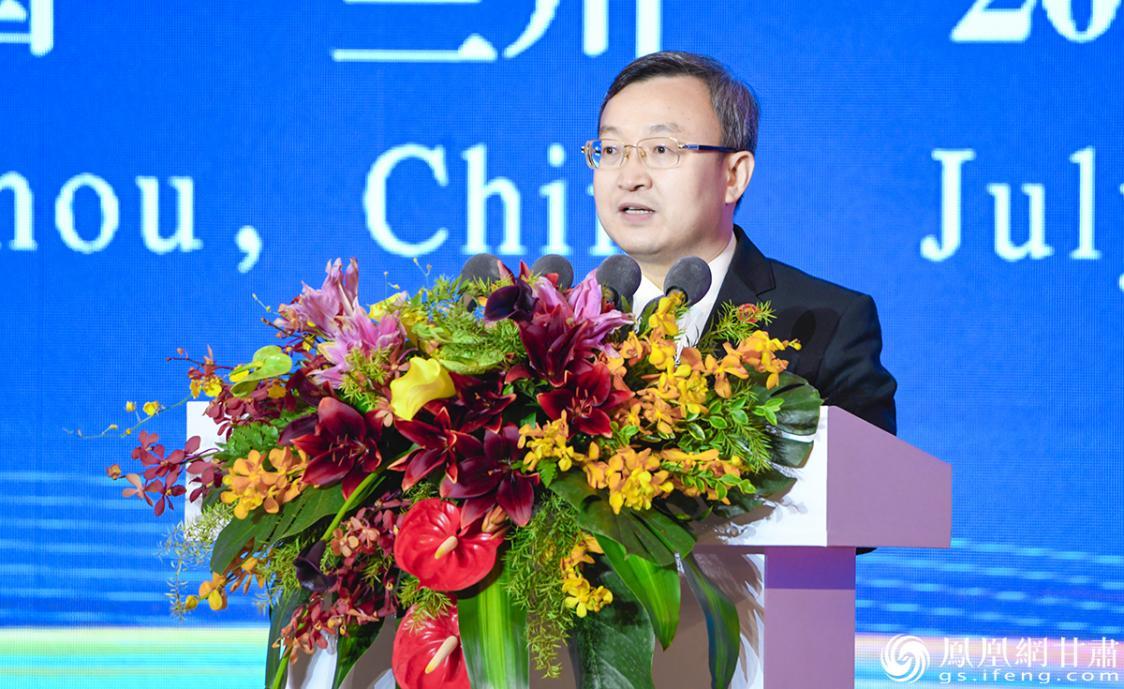 商务部副部长兼国际贸易谈判副代表王受文出席第二十七届兰洽会开幕式并致辞 杨艺锴 摄