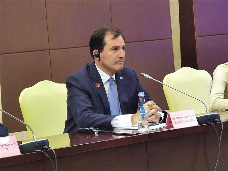 乌拉圭驻华大使 费尔南多·卢格里斯参加对接会