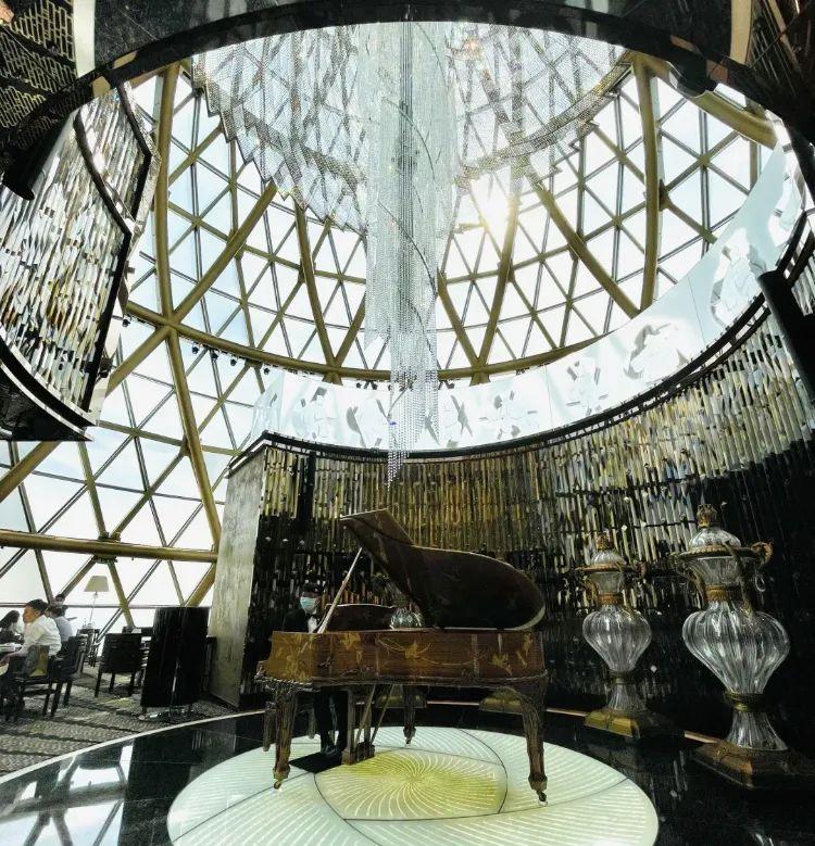 ▲天巢之所以叫天巢,就是因为这个穹顶 © dianping.com