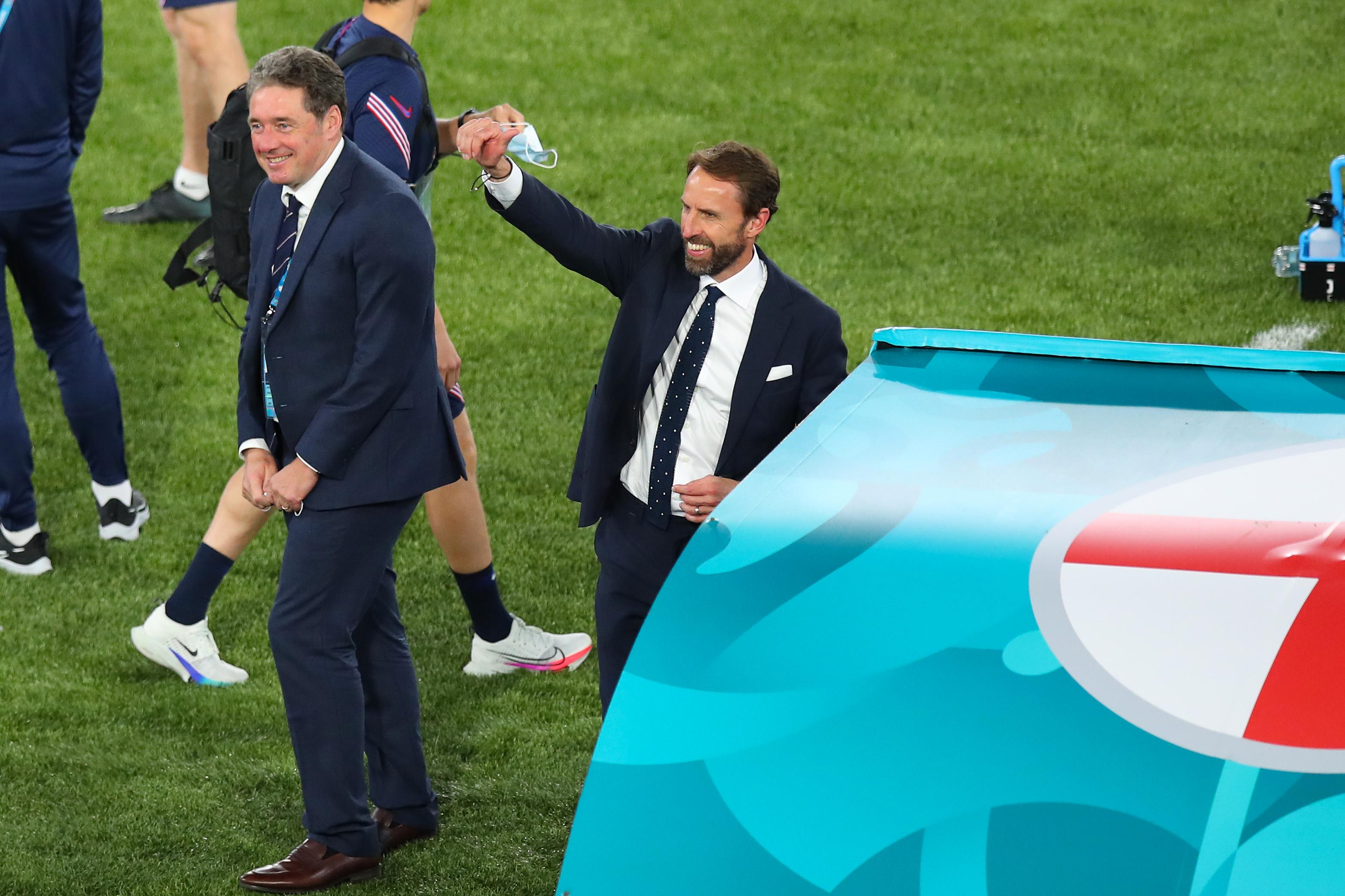 索斯盖特赛后感谢球迷。