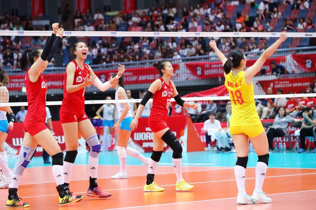 中国女排在赛场上