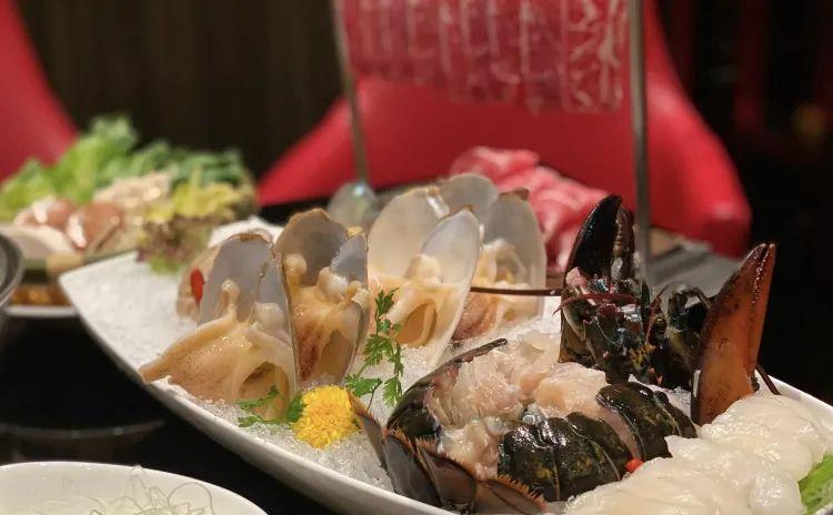 ▲御莲宫的海鲜牛肉火锅 ©dianping.com