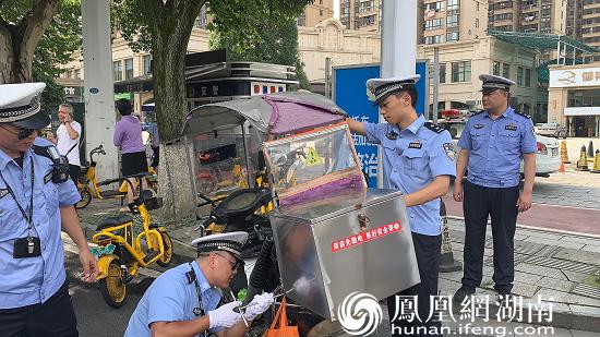 消除非法加装遮阳伞篷的交通违法行为
