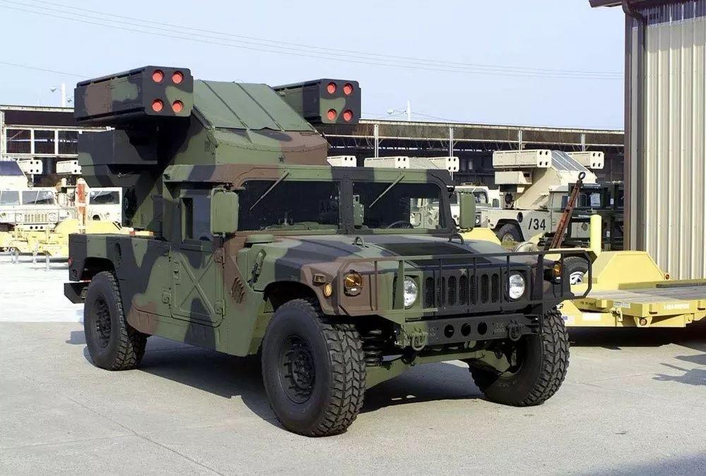 """性能相当有限的""""复仇者""""系统是台军目前堪用的陆基近程防空装备。"""