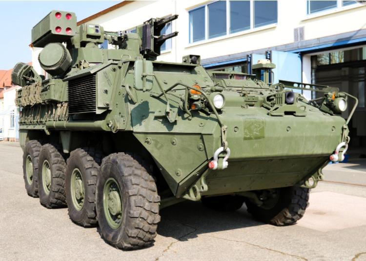 """美国计划售台的M-SHORAD防空系统相比现役""""复仇者""""并没有本质性能提升。"""