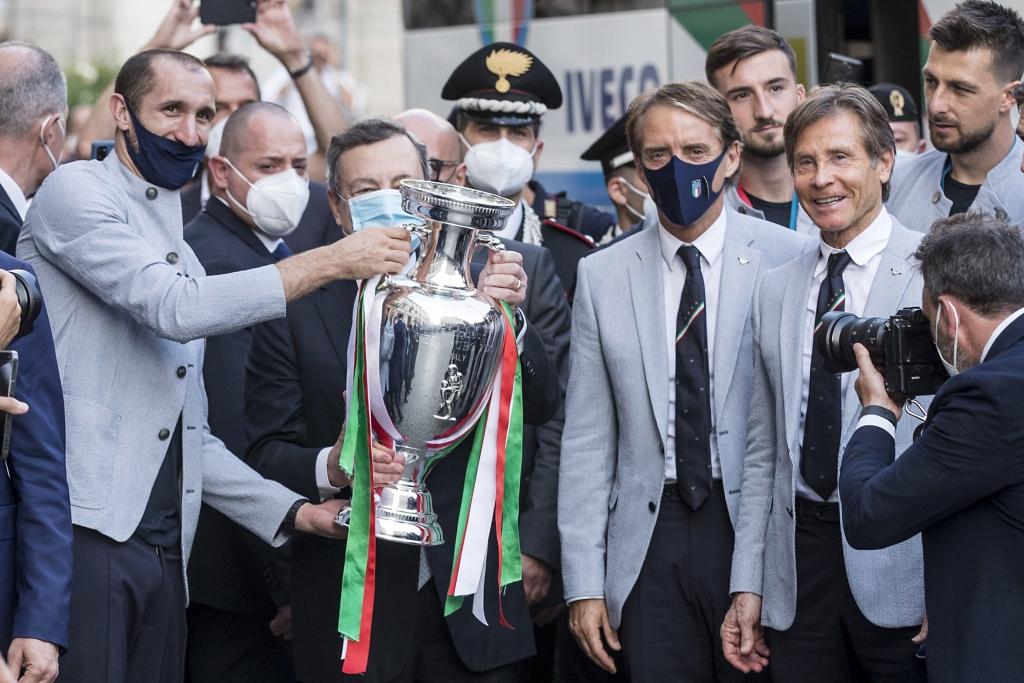意大利总统祝贺球队欧洲杯夺冠:你们回报了人民的热情和支持