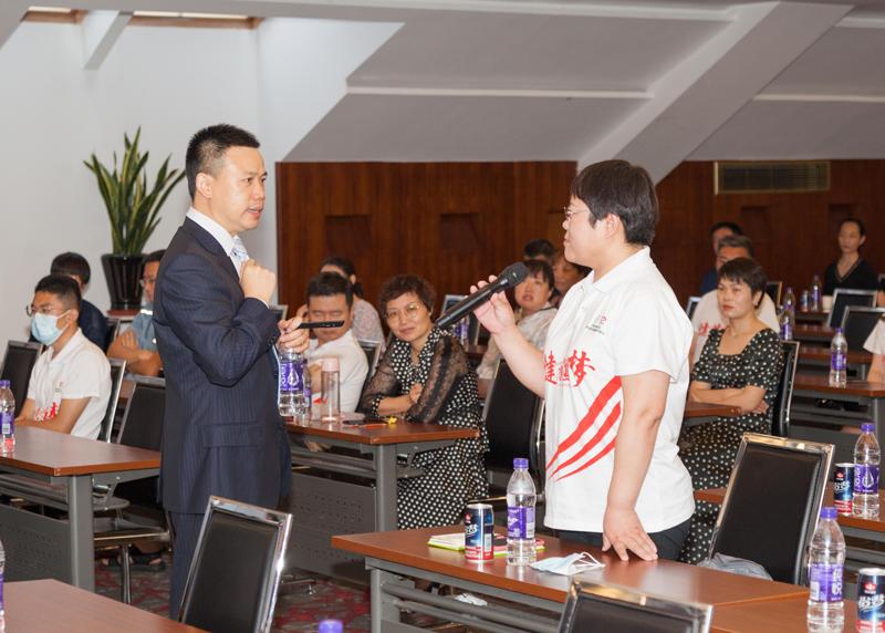 华中科技大学同济医学院杜俊峰教授授课