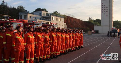 江西392名消防指战员火速增援河南 参与当地抗洪抢险