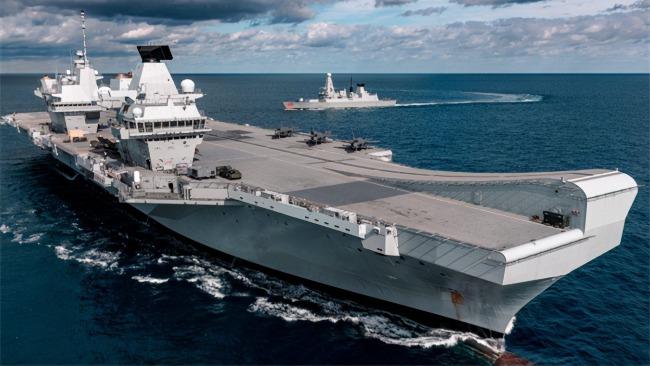 投入4500兵力 印度海军与英国航母战斗群联合演习