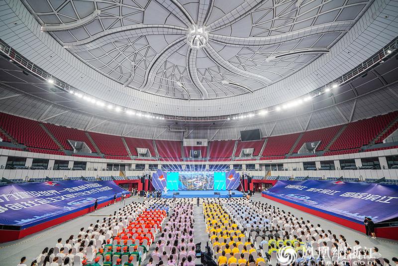 """杭州高新区(滨江)""""亚运靓城""""攻坚行动大会现场 尚天宇 摄"""
