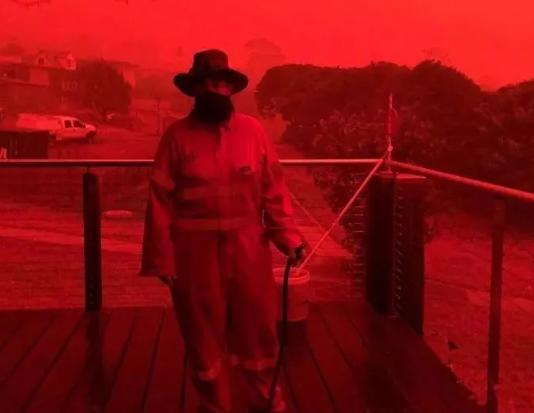 暴雨中的郑州:全球气候变化之下,人类如何生存?