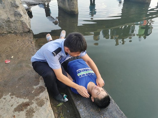 湘警学子三下乡:溺水警钟时常鸣,安全教育进东安