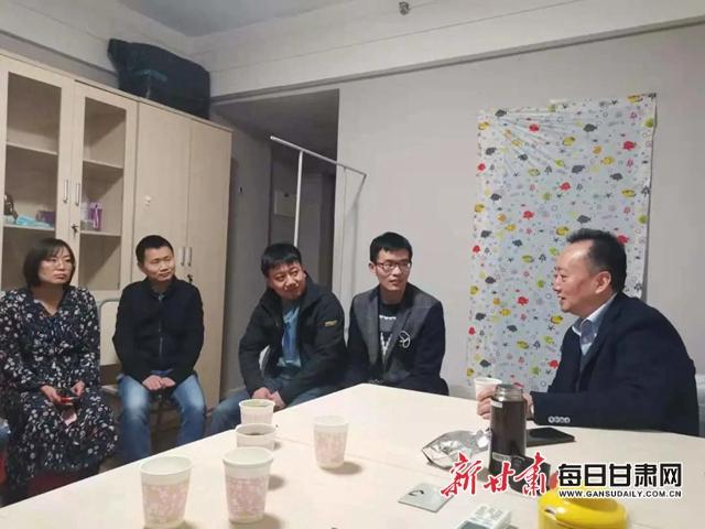 邱皓副院长生前和学员座谈