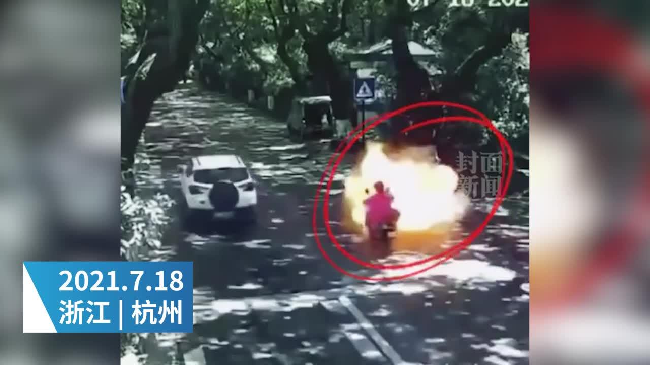 杭州烧伤女孩妈妈还原事发瞬间:砰的一声 前面都是火光