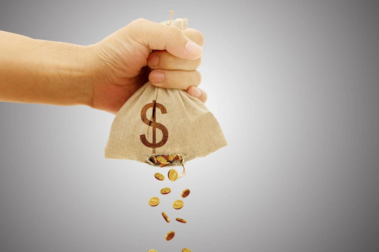 """民生人壽""""家賊""""涉保險詐騙被罰 一季度巨虧6億股權頻遭拍賣"""