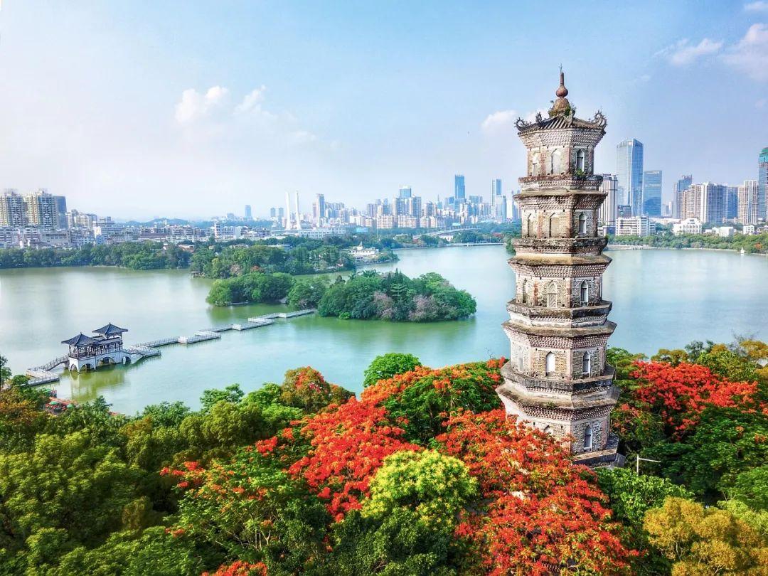 △惠州城区西湖边上的泗州塔/视觉中国
