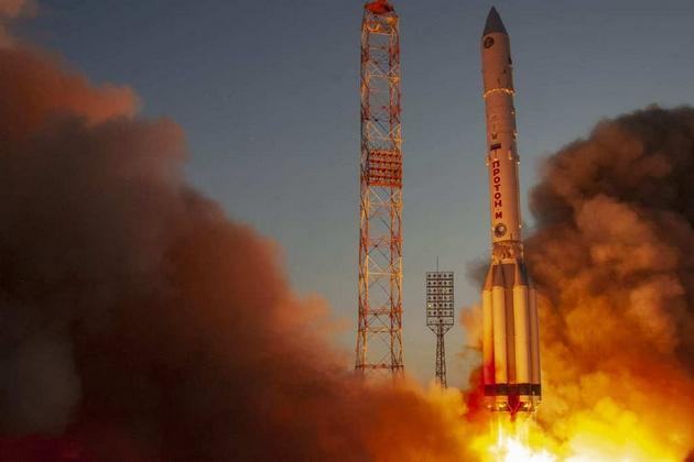 质子-M运载火箭点火升空