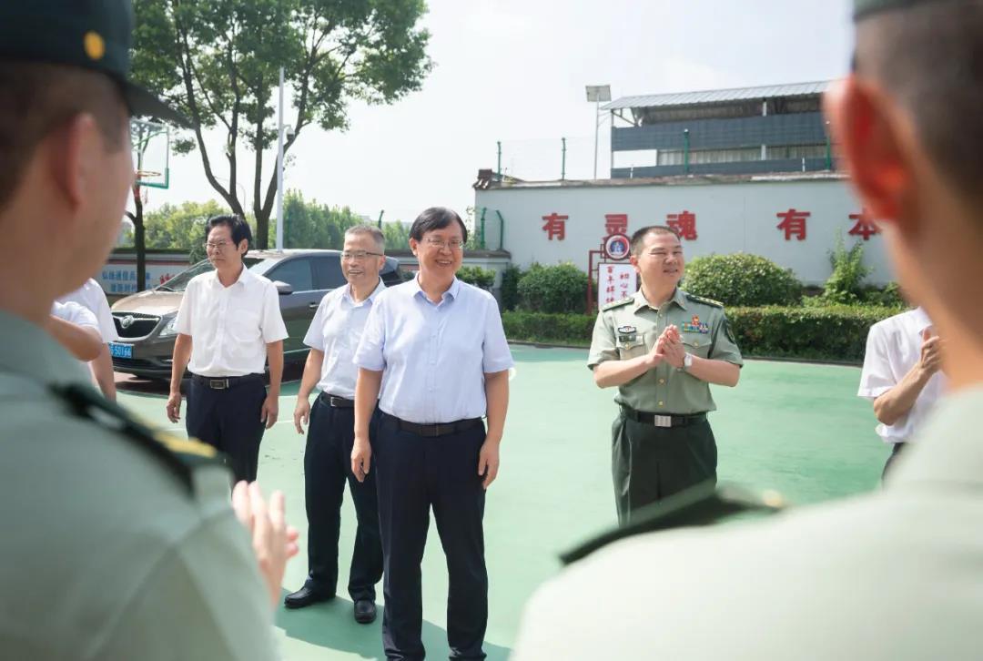 军地同心聚合力 齐抓共建创新绩!金华市领导走访慰问驻金部队和优抚对象