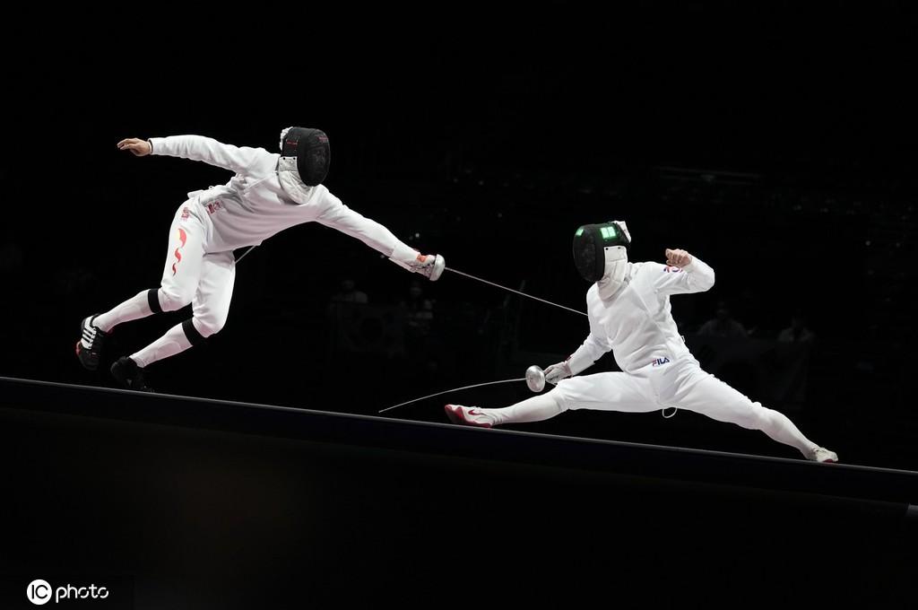 擊劍男子團體重劍銅牌賽 中國隊不敵韓國隊