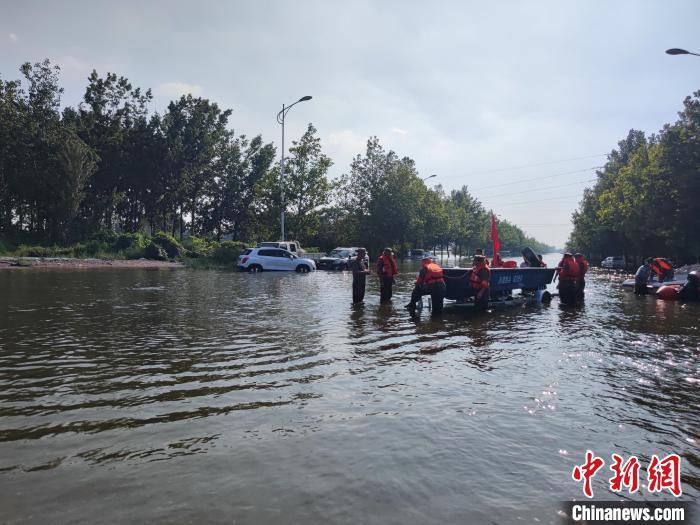 河南卫辉:预计今晚排除城区涝水