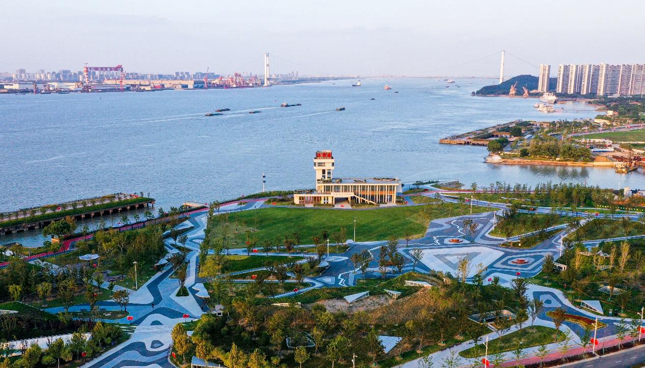现代化滨江花园城市正展露现实模样