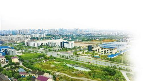 扩建中的娄星工业集中区。 (本版图片均由娄星区委宣传部提供)