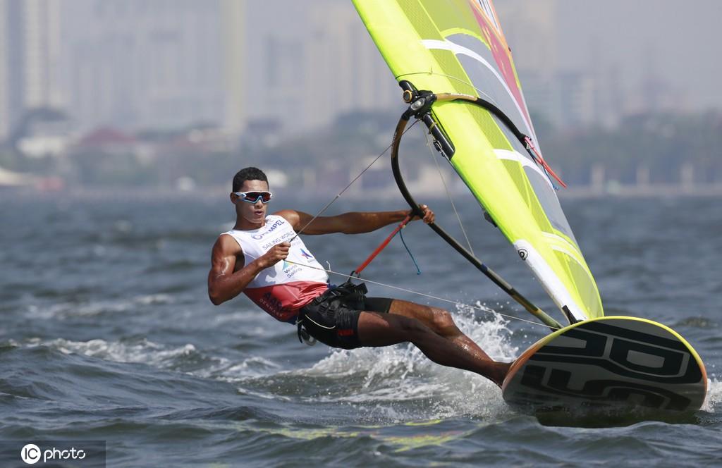 创历史!中国男子帆板斩获铜牌