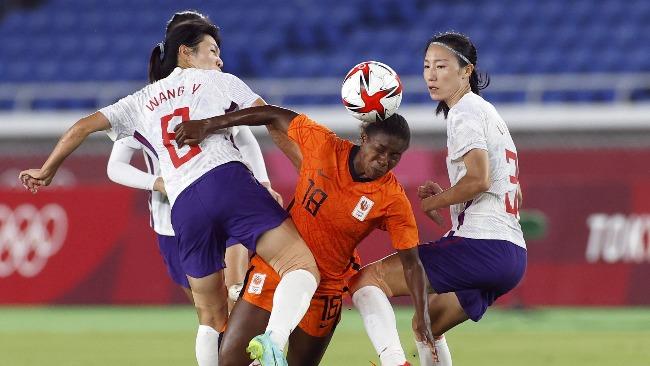 著名媒体人:中国女足是一支由脸都不要的人组织指挥的队伍