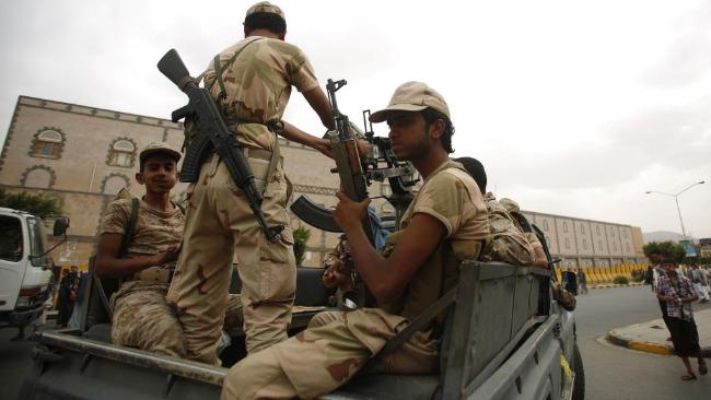 也门政府军与胡塞武装交火致17人死亡 35人受伤