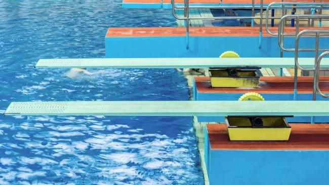 """跳水选手频频失误 为什么三米板跳水更容易""""炸鱼""""?"""