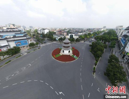 8月2日,民众居家抗疫,古城扬州很寂静。 孟德龙 摄