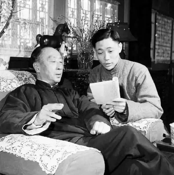 ▲马连良(左)与爱徒张学津