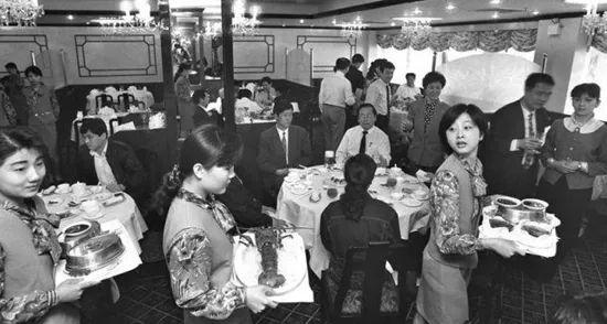 杨倩想吃的油焖大虾 曾经馋哭了一代人