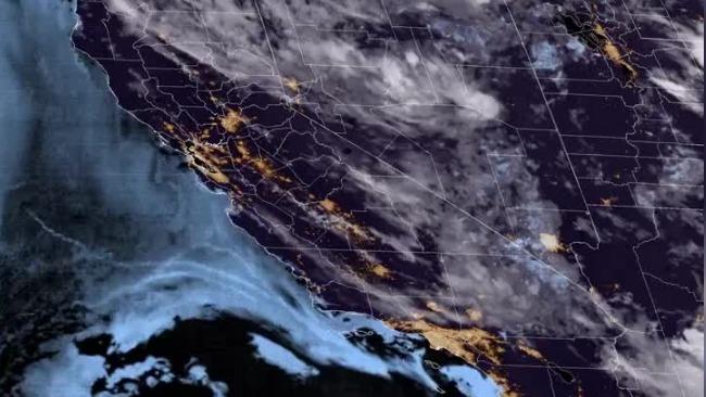 这就是从太空看见的美国西海岸火灾