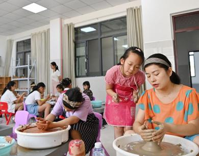 高安:8所学校开办暑期托管班 解决家长后顾之忧