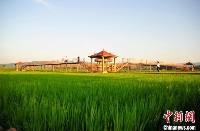 吉林延边民俗村展特色换新颜:游客多了口袋鼓了