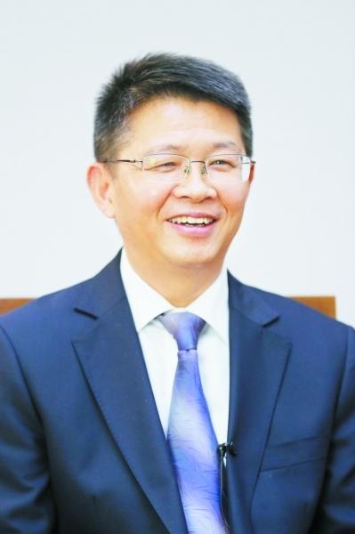刘伟接受南报融媒体记者专访。 南报融媒体记者 徐琦摄