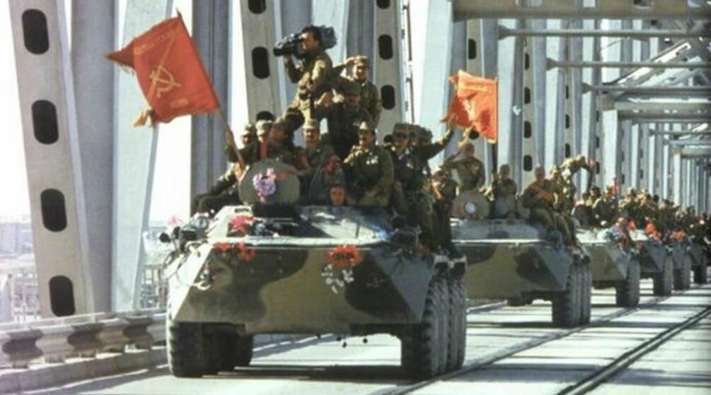 在驻阿苏军1988年6月全部撤出后,阿富汗仅仅经历了短暂的和平。