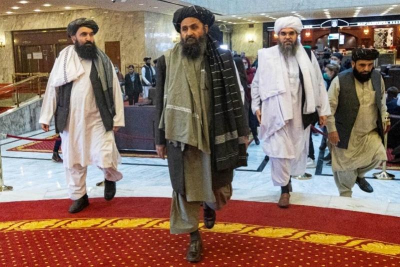 """流亡海外10年的塔利班""""二号人物""""回国 被认为将成为新政府的总统"""