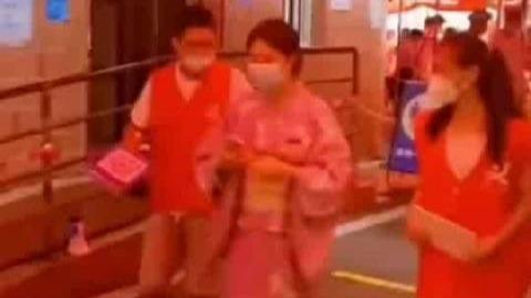 女子穿和服做核酸检测遭志愿者劝阻:换了衣服再来
