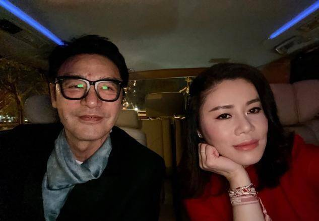 钟镇涛庆结婚7周年!甜蜜晒和娇妻婚纱照,曾因破产向范姜提分手