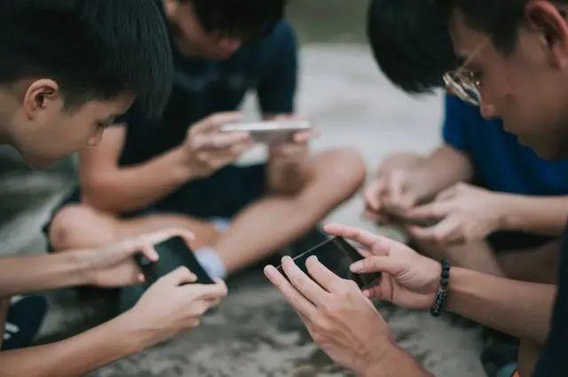 动真格!让青少年远离网络游戏沉迷