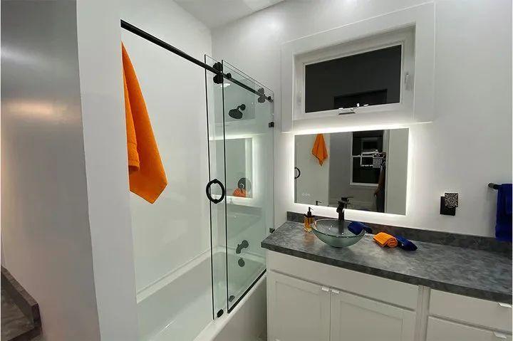 Casita 房屋中的浴室. 图片来自:Boss Hunting