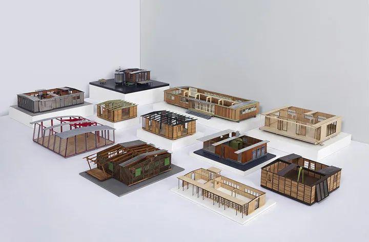 伦敦帕特里克·塞甘画廊举办的 Jean Prouvé 预制房屋模型. 图片来自:Trendland
